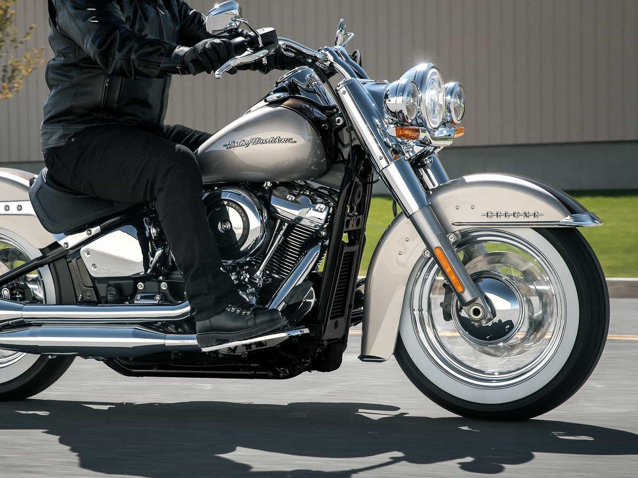2018 Softail Deluxe | Harley-Davidson USA