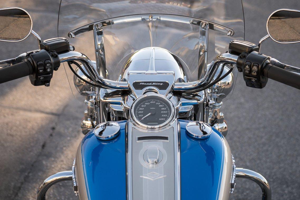 2018 Harley-Davidson Road King Speedometer