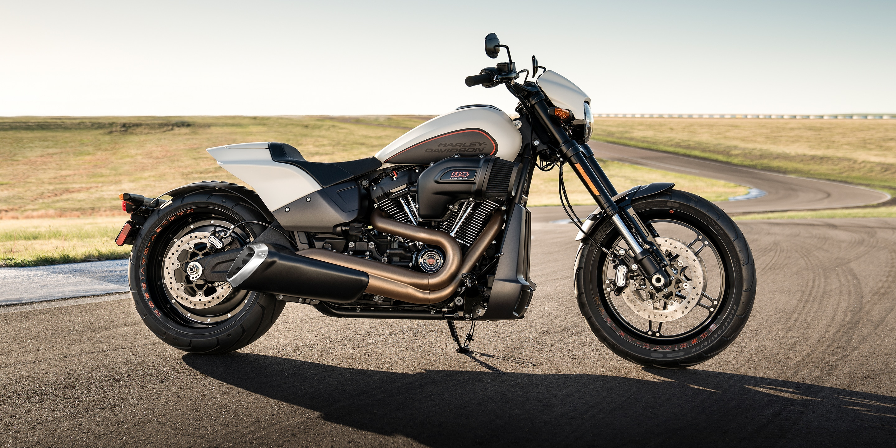 2019 fxdr114 motorcycle parked on street