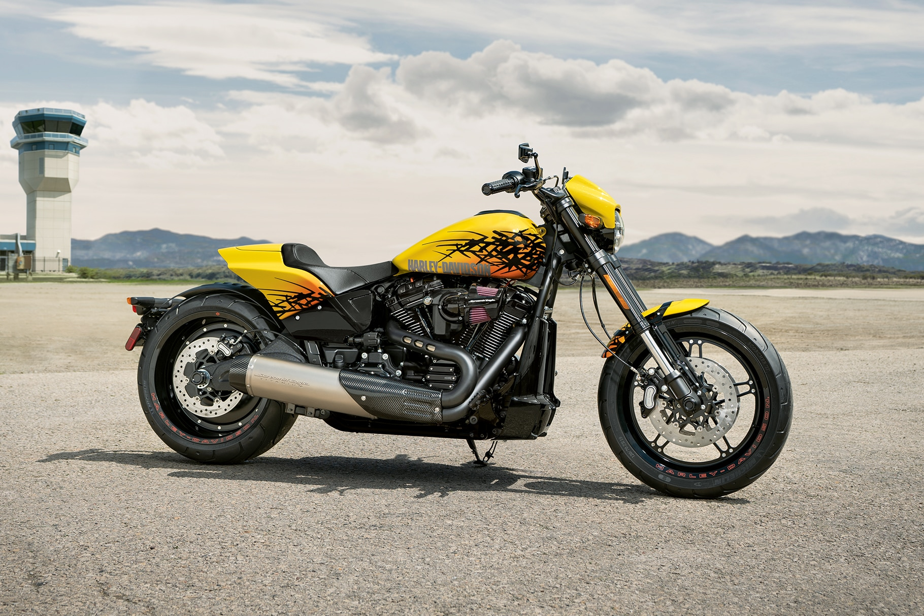2019 FXDR114