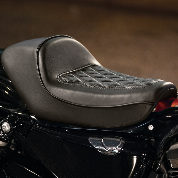 2019 H-D Sportster motorcycle Solo Seat