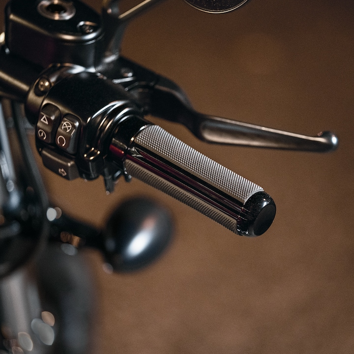 2019 Forty-Eight Handlebar