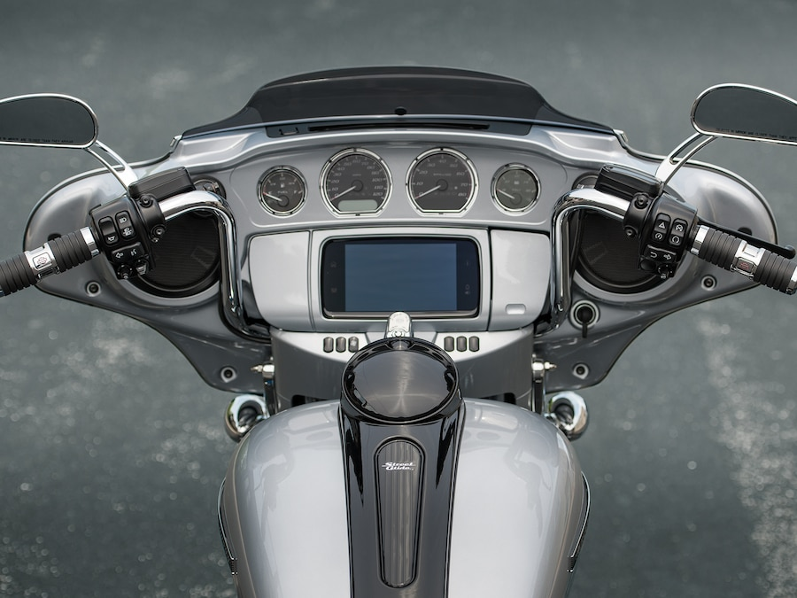 2019 Street Glide Special Motorcycle Cockpit