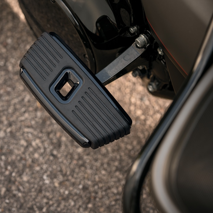 2019 Ultra Limited Motorcycle Pedal