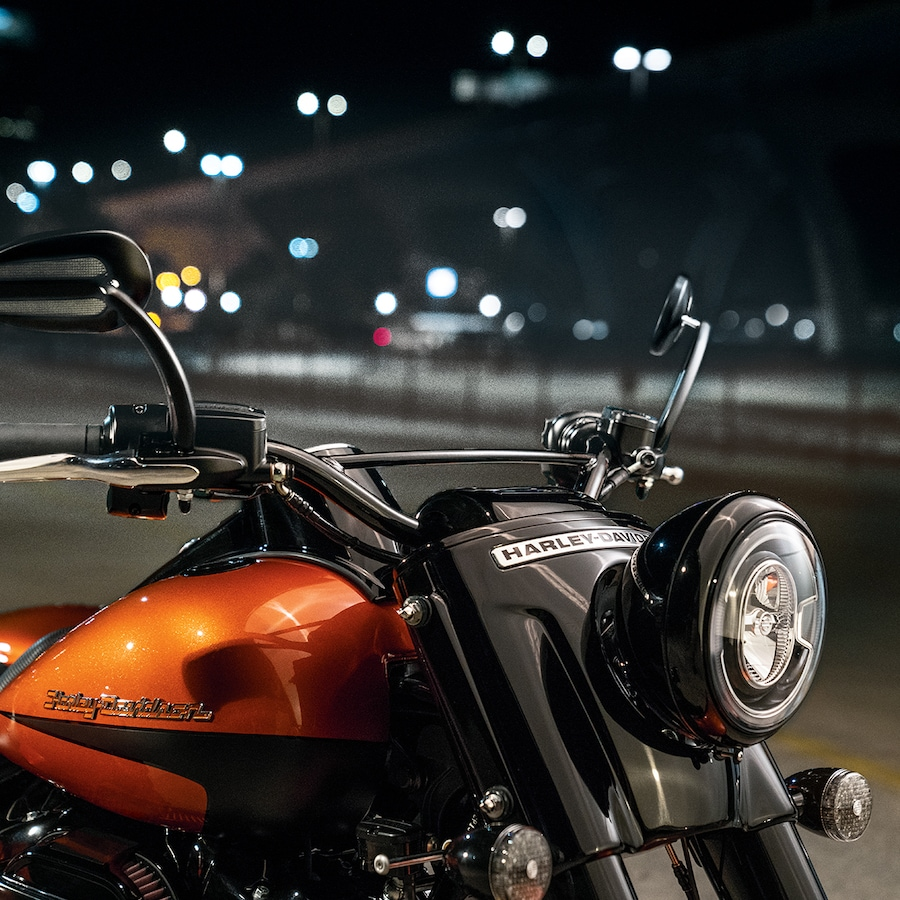 Headlight On 2019 Trike H-D Motorcycle