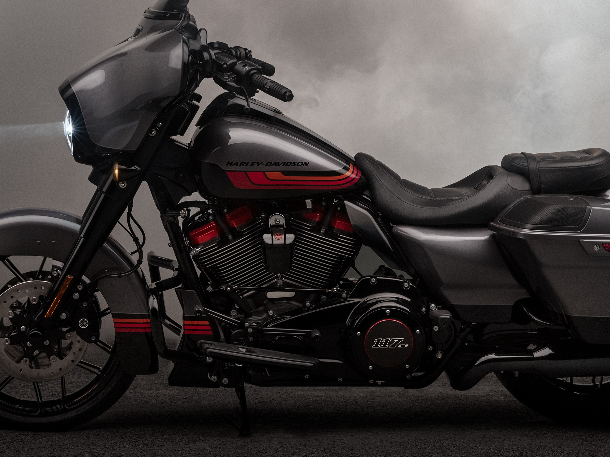 LED Turn Signals And LED Lighting Surround On 2019 CVO Limited H-D Motorcycle