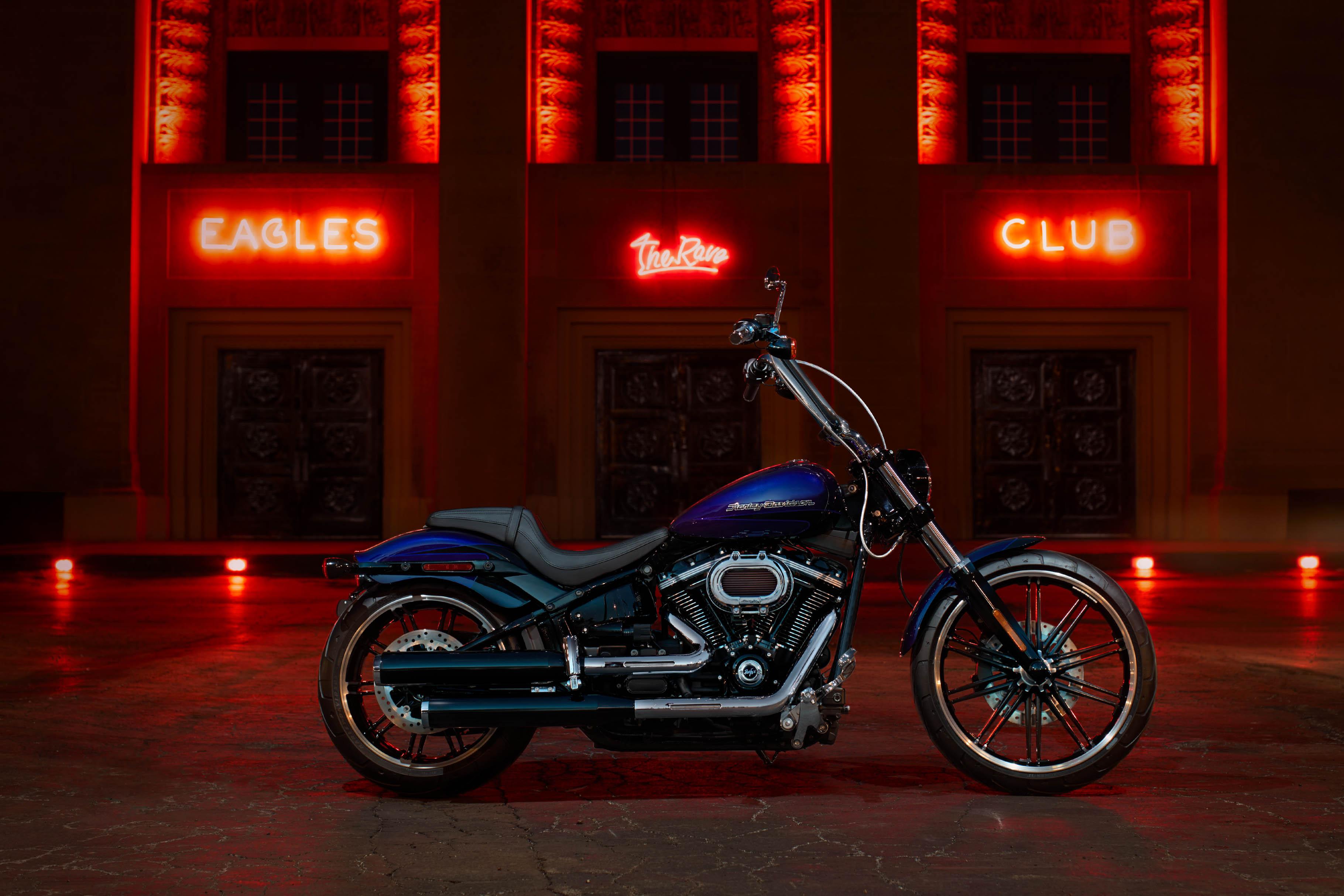Motocicleta Breakout™ 114 2020   Harley-Davidson Brasil