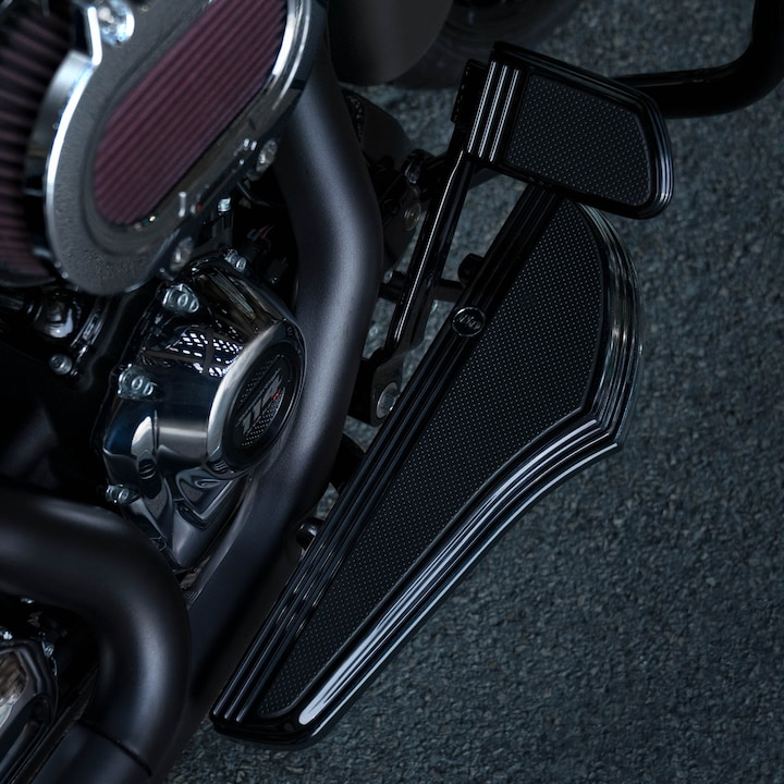 2020 H-D Road Glide motorcycle footboard