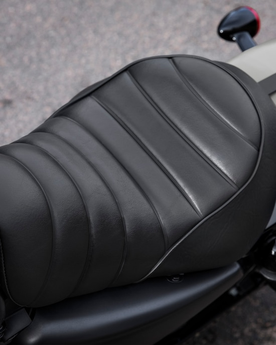 2020 Iron 883 motorcycle Tuck and roll seat