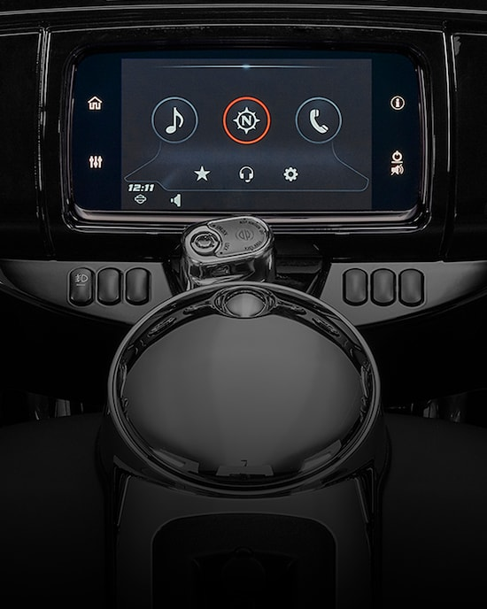 Boom Box GTS Infotainment System on an Ultra Limited motorcycle